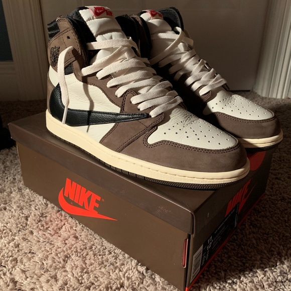 on sale d6174 66814 NIKE TRAVIS SCOTT JORDAN 1 SIZE 11